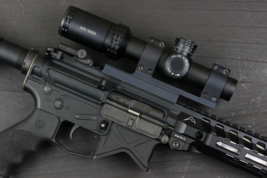 Bushnell AR OPTICS 1-4x 24mm Throw Down PCL 実装画像 右側レシーバー部分のアップ画像