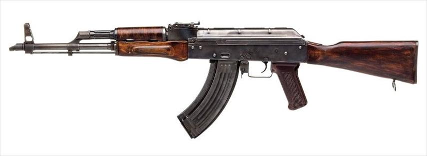 AKとカラシニコフ