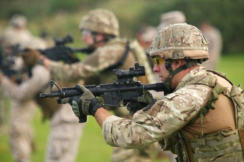 イギリス軍特殊部隊が使用するコ...