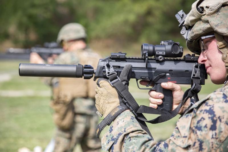 MP7A1 人気のサブマシンガンがリアルサイズ電動ガンに
