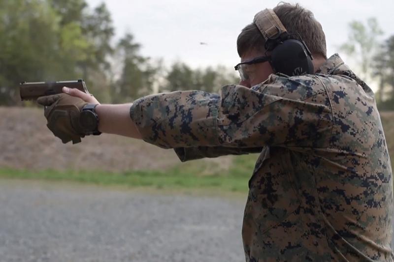 アメリカ軍の制式ピストルはSIG SAUER一択?