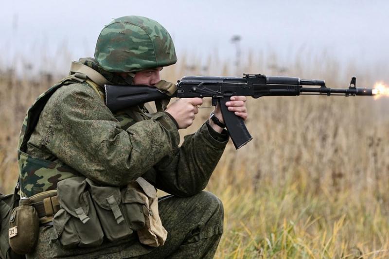AK-74 いまだに現役で使われ続ける東側近代ライフルの傑作