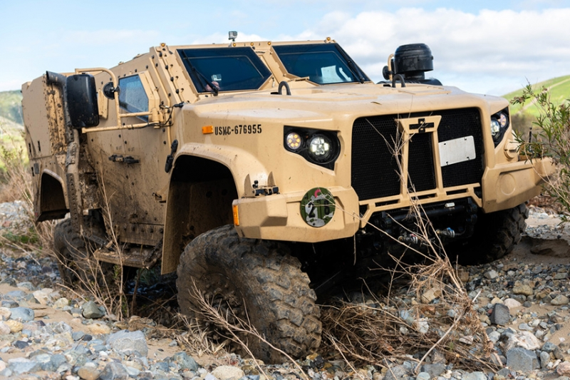 アメリカ軍の新型汎用車両JLTVが海兵隊のIOCに到達