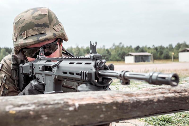 まるでMASADA?!ポーランド軍が次世代ライフルとしてMSBSの正式導入を契約