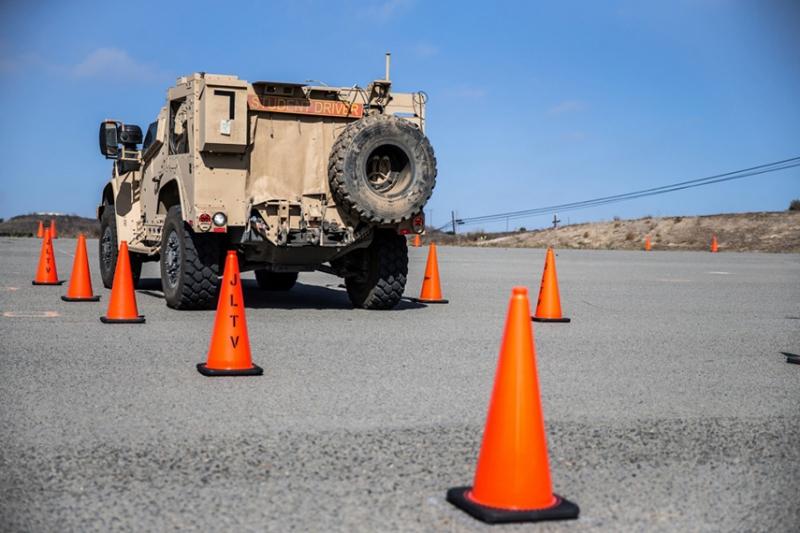 アメリカ海兵隊で進む新型汎用車両JLTVのトレーニング